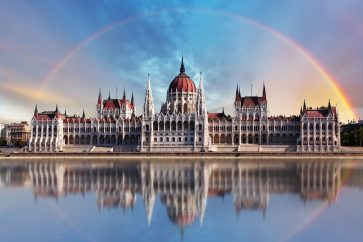 budapest-parliament-building-wallpaper-4