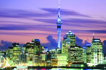 evening-falls-in-auckland-new-zealand_0