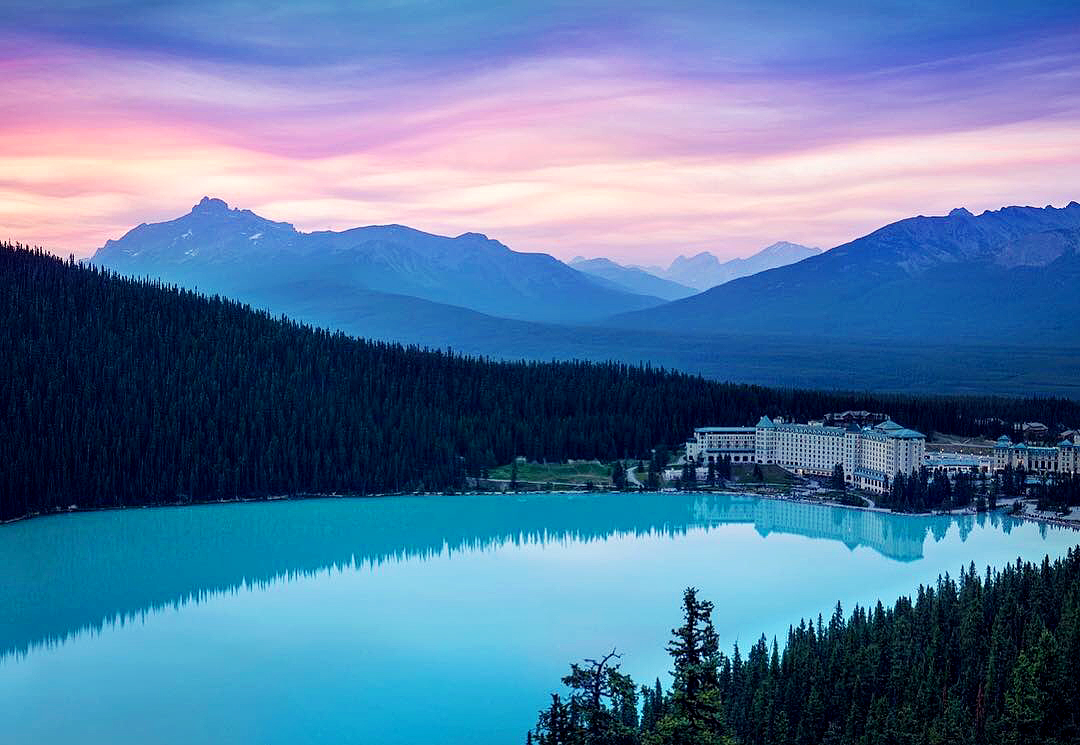 Fairmont Lake Louise Hotel, Canada