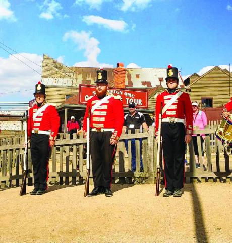 sovereign-hill-redcoat-soldiers-1024x768