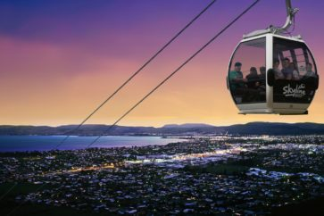 queenstown-new-zealand-cable-car-dusk-sea_2560x1440_wallpaper