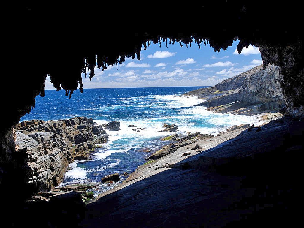 admirals-arch-kangaroo-island