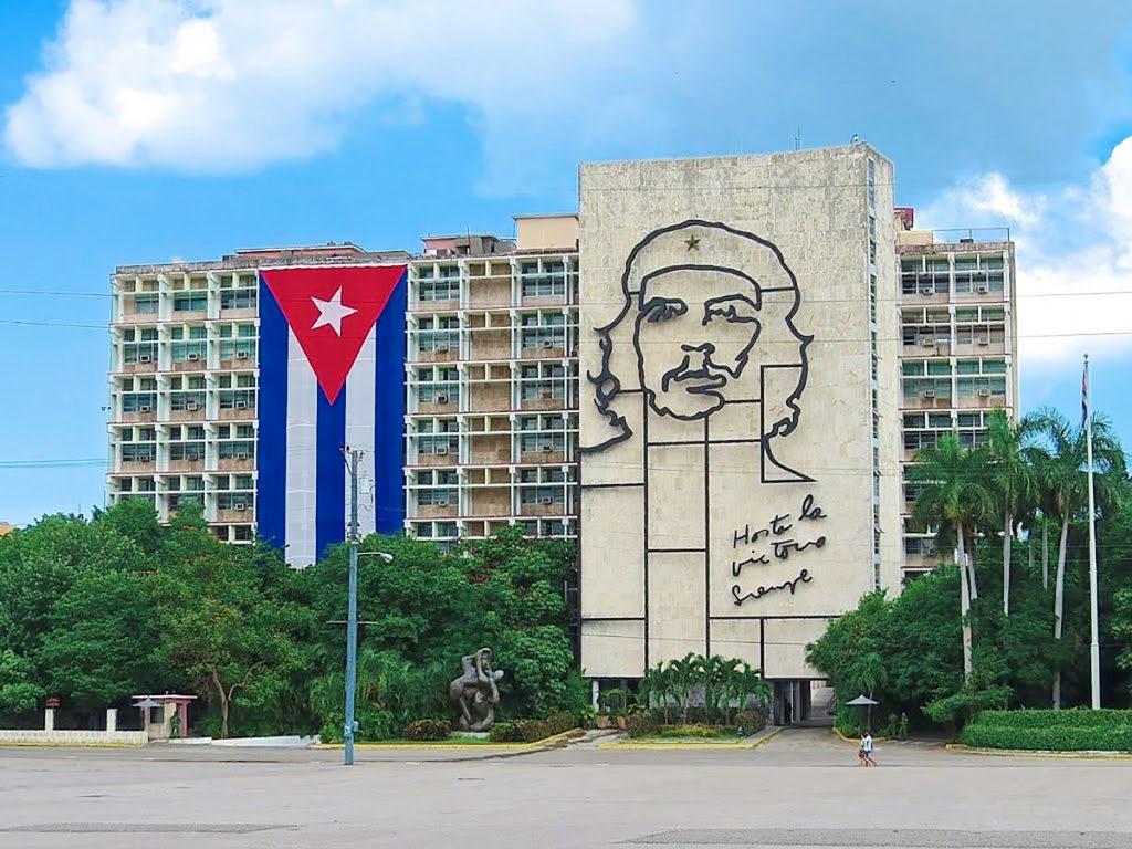Revolution square havana Che Guevara