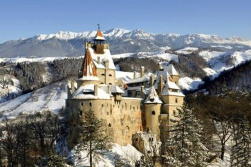 bran-castle-dracula-transylvania-brasov1