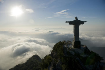 1-christ-the-redeemer-statue-at-sunrise-joel-sartore